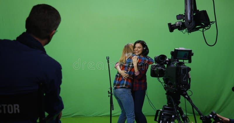 Donna che canta ad un'audizione fotografia stock