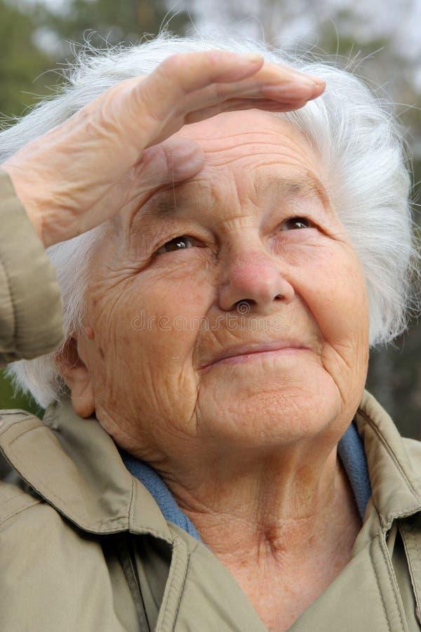 Donna che guarda avanti fotografia stock