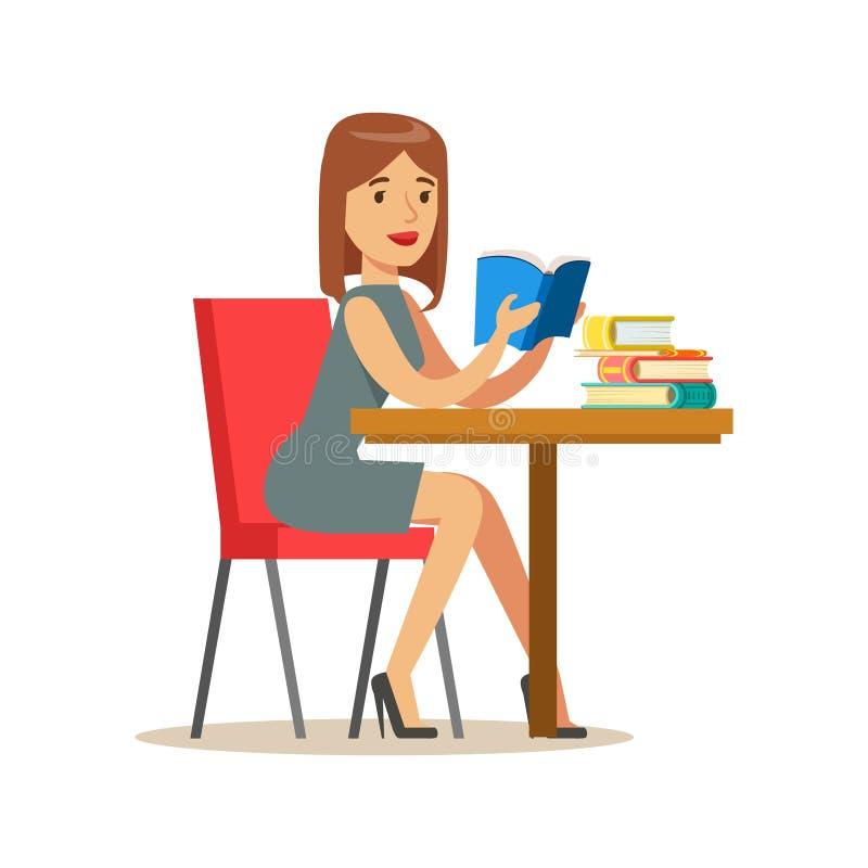 Donna che legge un libro alla Tabella, illustrazione sorridente di Person In The Library Vector royalty illustrazione gratis
