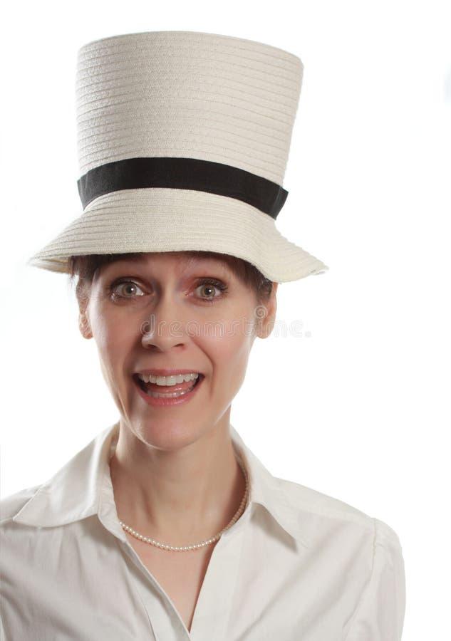 Donna che porta grande cappello immagini stock libere da diritti