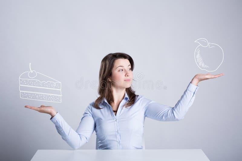 Donna che sogna degli spuntini immagine stock