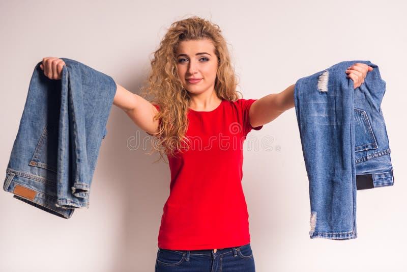 Donna con i jeans fotografie stock libere da diritti