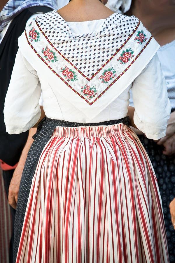 Donna con i vestiti provencal tradizionali, Provenza fotografia stock