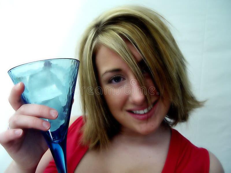 Donna con la bevanda