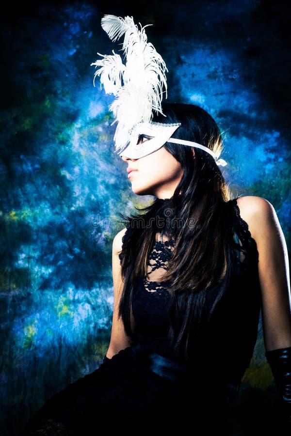 Donna con la mascherina immagini stock libere da diritti