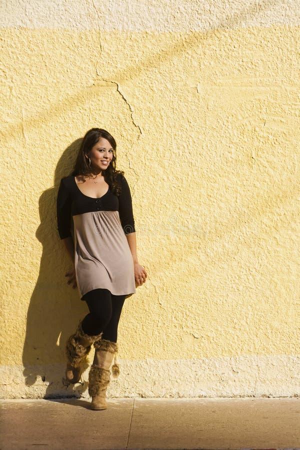 Donna con le ombre fotografia stock