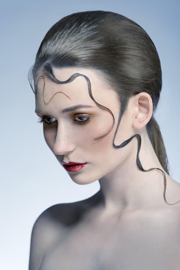 Donna con stile capelli decorativo immagini stock libere da diritti