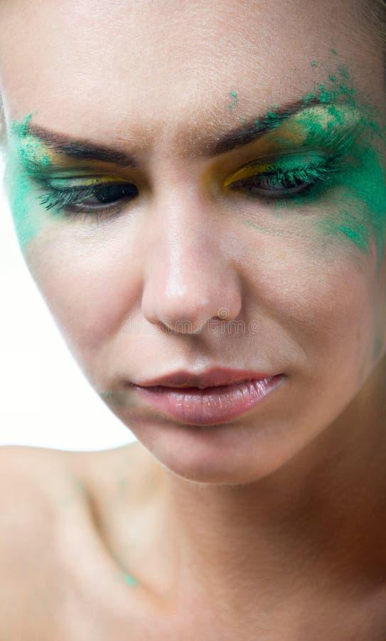 Donna con trucco verde creativo fotografie stock libere da diritti