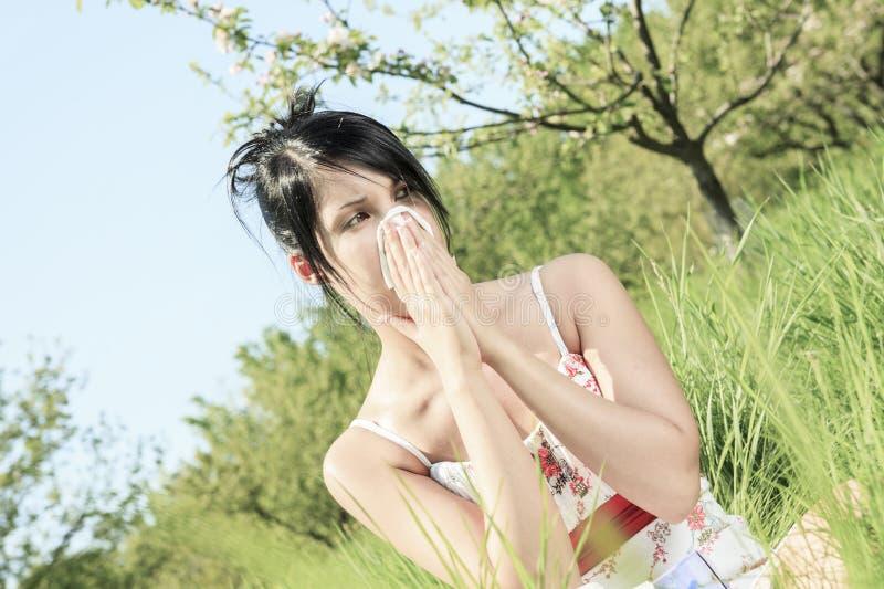 Donna con un'influenza o un'allergia fotografia stock