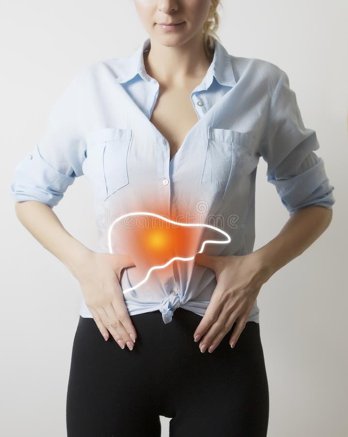 Donna con visualizzazione di fegato immagini stock libere da diritti