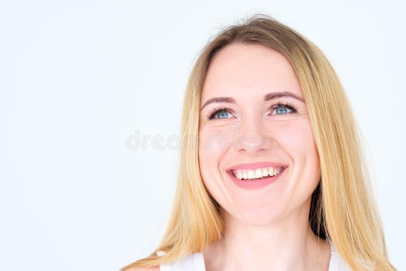 Donna contentissima allegra di sorriso felice del fronte di emozione immagini stock libere da diritti