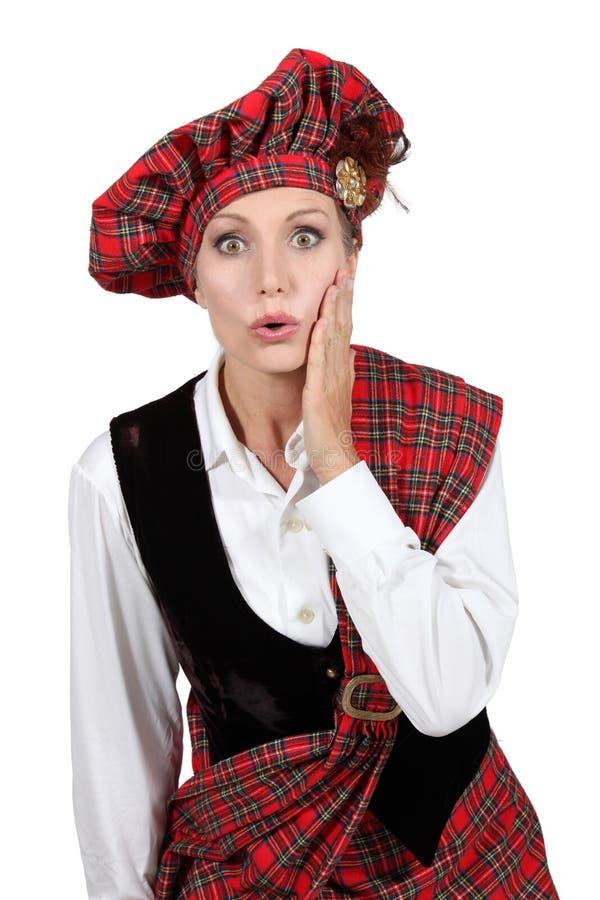 Donna in costume scozzese immagini stock libere da diritti