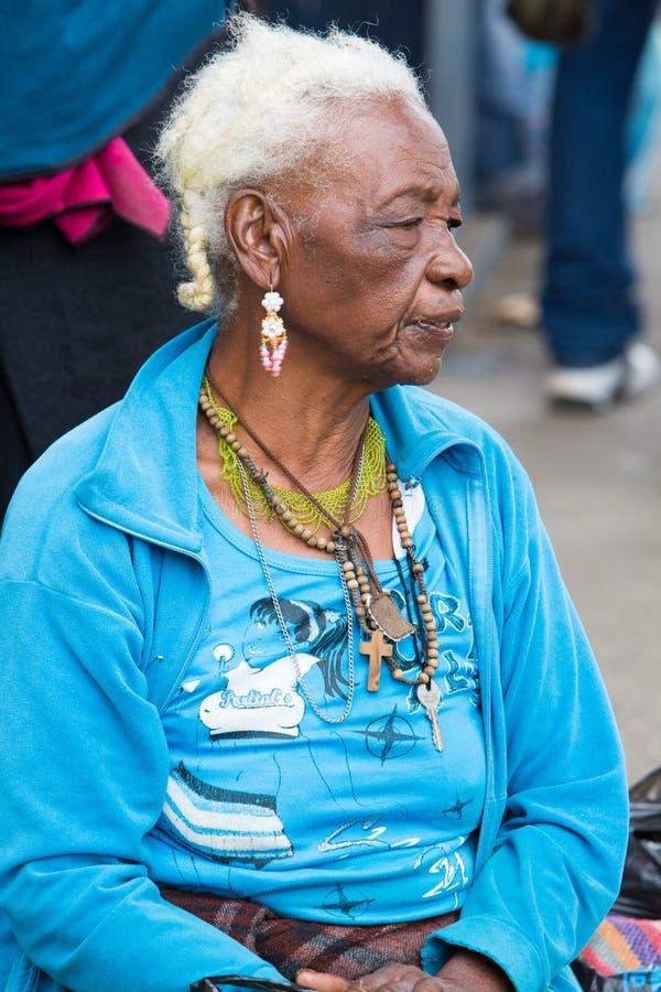Donna dal gruppo etnico del meticcio in Otavalo, Ecuador fotografia stock