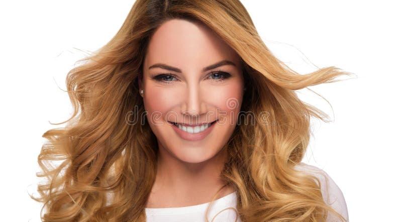 Donna del modello dei capelli biondi Ritratto femminile Colpo dello studio fotografia stock