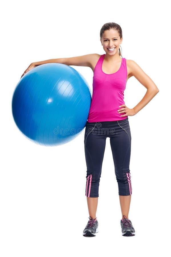 Donna della palla della palestra immagini stock libere da diritti