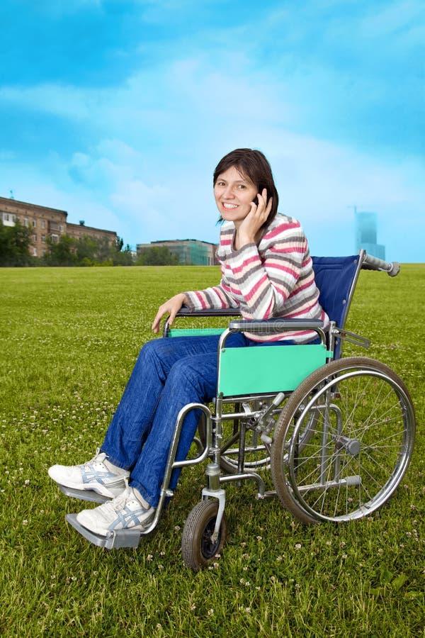 donna della sedia a rotelle immagini stock libere da diritti