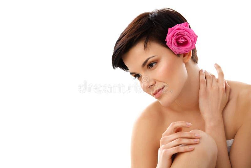 Donna della stazione termale Primo piano di bella donna che ottiene trattamento S della stazione termale immagini stock