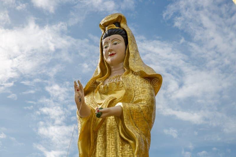 Donna delle statue a Wat Lamai Temple, museo di folclore in Koh Samui, Tailandia fotografia stock