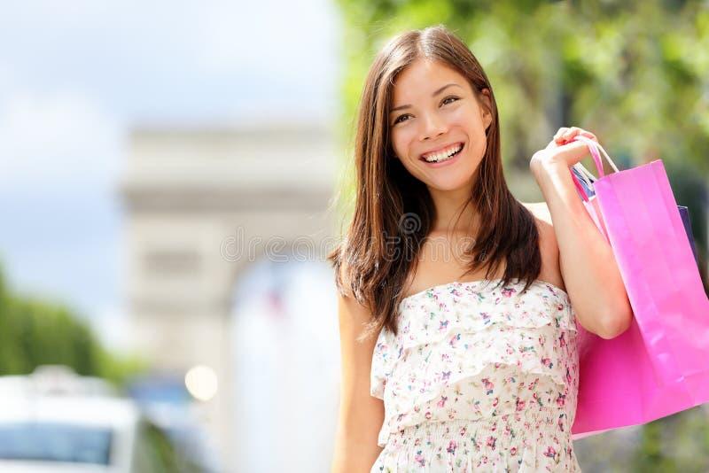 Donna di acquisto di Parigi fotografia stock
