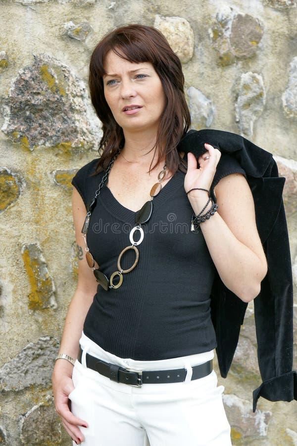 Donna di affari all'esterno fotografie stock