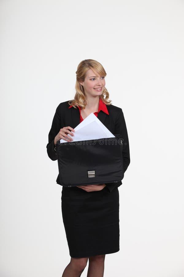 Donna di affari bionda di classe immagine stock libera da diritti
