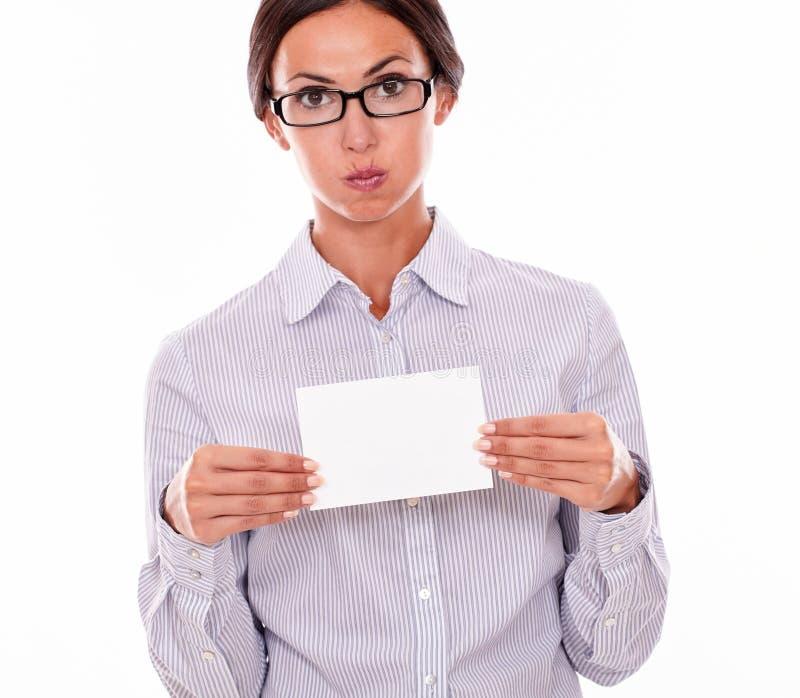 Donna di affari castana sollecitata con lo spazio della copia immagini stock libere da diritti