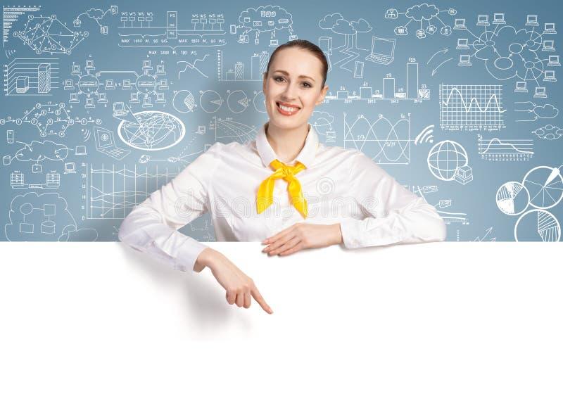 Donna di affari che presenta qualcosa fotografie stock libere da diritti