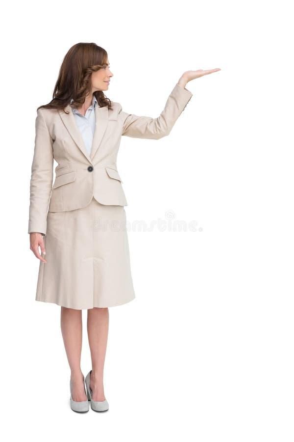 Donna di affari con la mano vuota aperta fotografia stock libera da diritti
