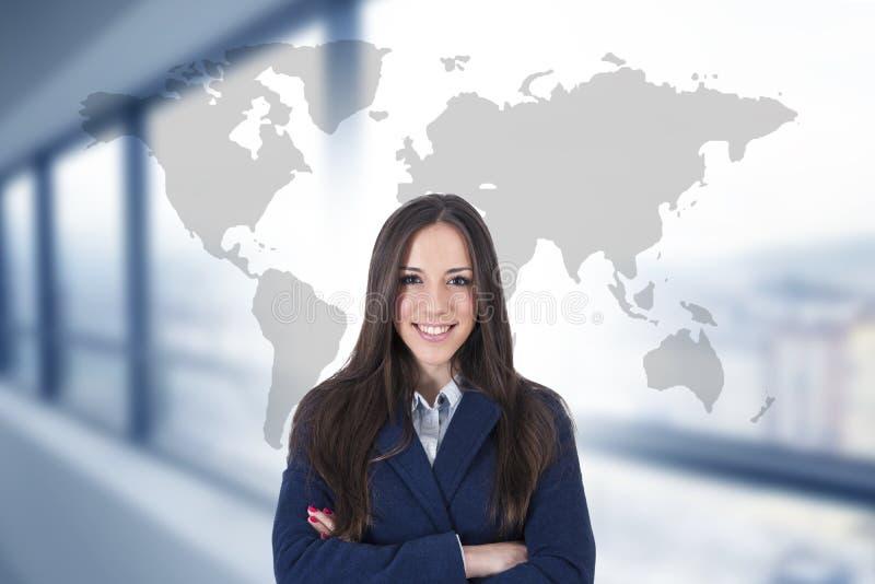 Donna di affari con la mappa internazionale immagine stock libera da diritti