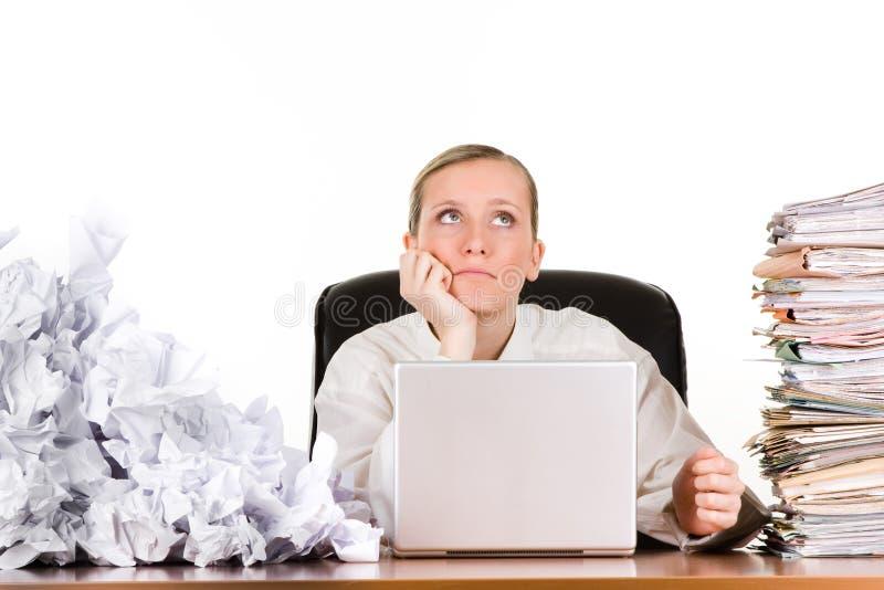 Donna di affari con lavoro di ufficio immagine stock