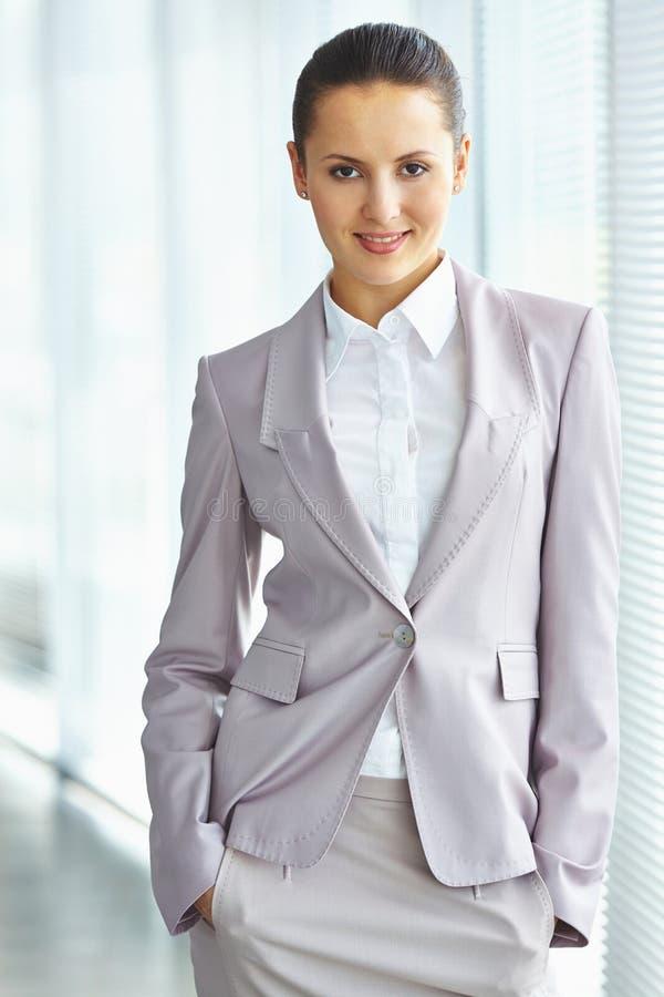 Donna di affari elegante immagini stock libere da diritti