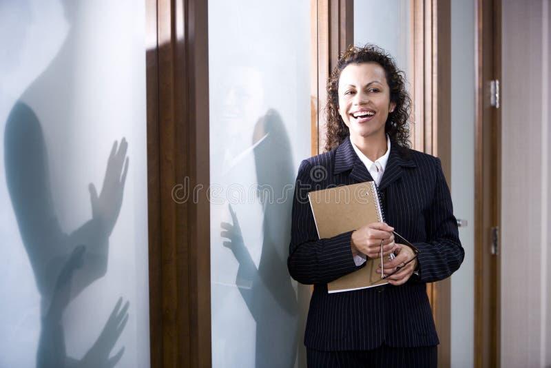 Donna di affari ispanica fotografia stock libera da diritti