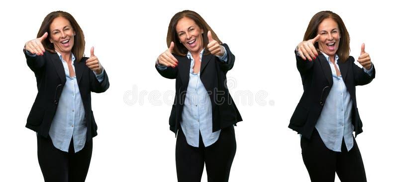 Donna di affari di medio evo con capelli lunghi fotografie stock