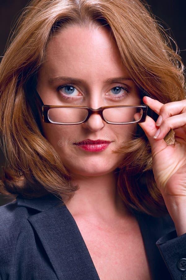 Donna di affari severa immagini stock