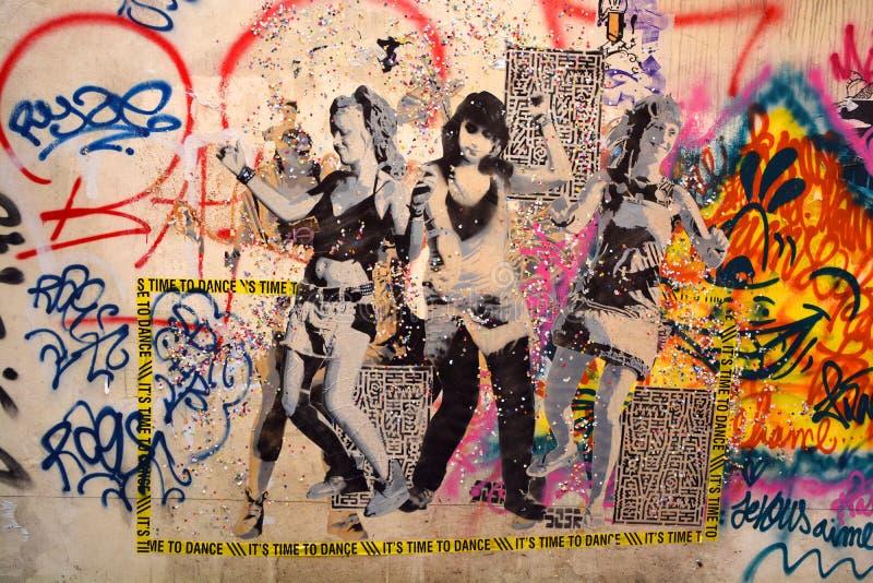 Donna di arte della via a Parigi Francia fotografia stock libera da diritti