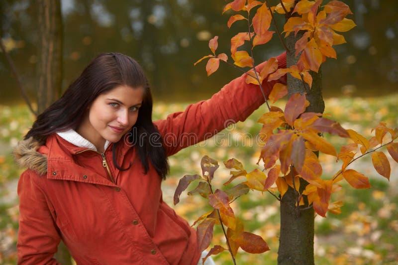 Donna di autunno immagine stock libera da diritti