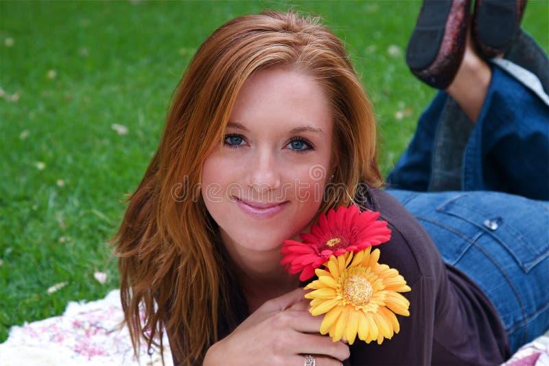 Download Donna di autunno fotografia stock. Immagine di cute, adulto - 7314682