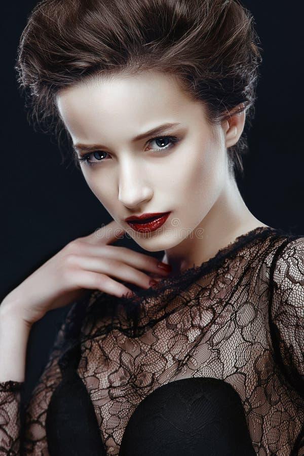 Donna di bellezza con trucco perfetto immagini stock libere da diritti