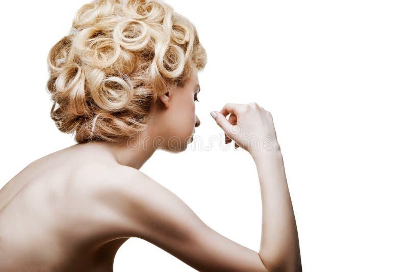 Donna di modo con stile di capelli astratto isolata immagini stock