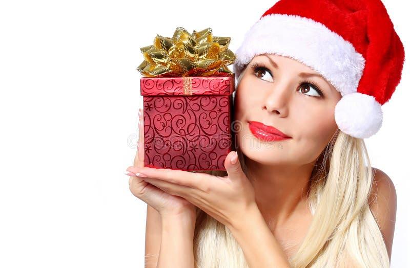 Donna di Natale con il contenitore di regalo immagini stock libere da diritti