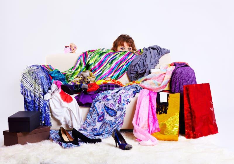 Donna di Shopaholic immagini stock