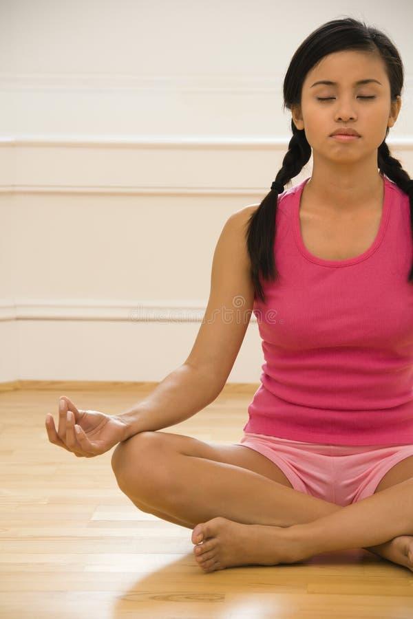 Donna di yoga fotografia stock