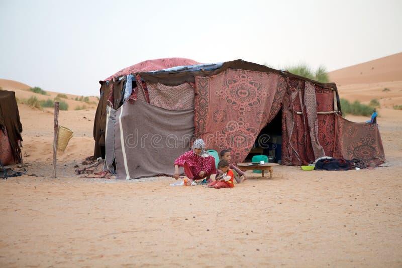 Donna e bambini di Berber immagini stock libere da diritti