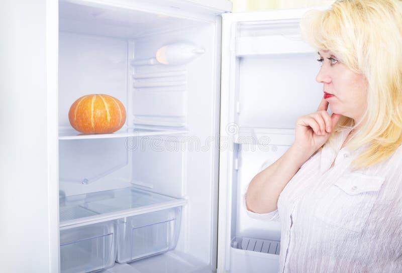 Donna e dieta fotografia stock