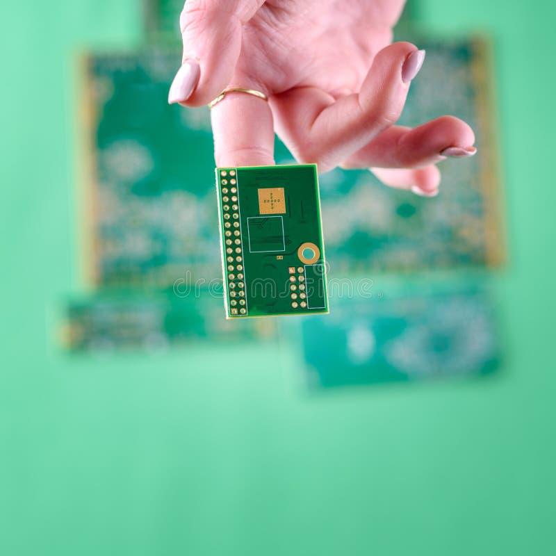 Donna e tecnologia fotografia stock