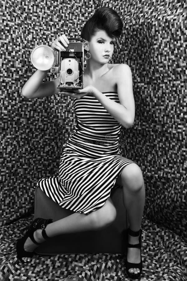 Donna estrema di alto modo con le bande fotografie stock libere da diritti