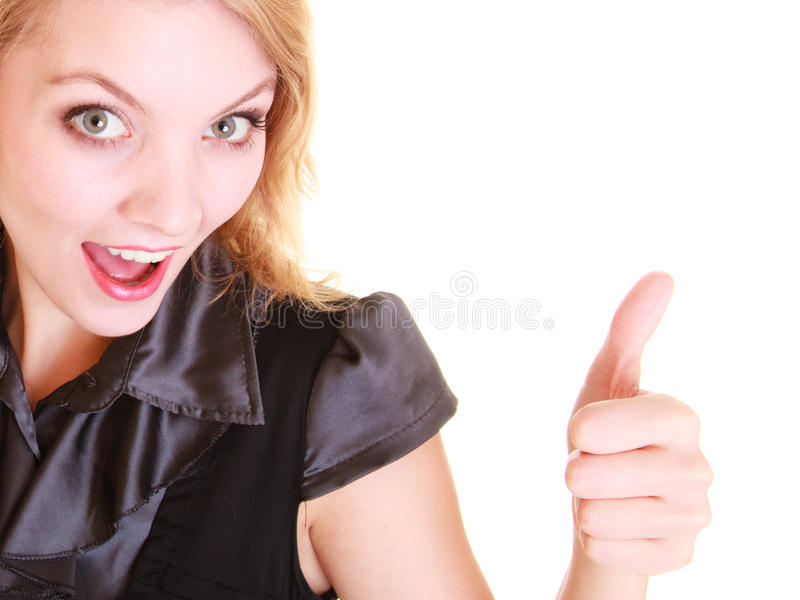 Donna felice che dà pollice sul gesto giusto del segno della mano Successo fotografia stock libera da diritti