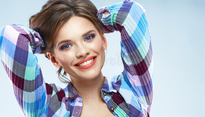 Donna felice Giovane donna con il bello sorriso fotografie stock