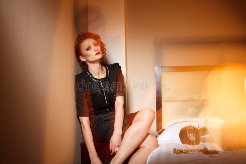 Download Donna Femminile Di Modo In Hotel Immagine Stock - Immagine di modo, camera: 30827453
