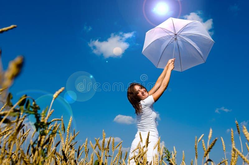 Download Donna giovane bella fotografia stock. Immagine di felice - 7303102